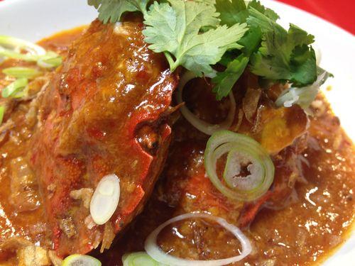 Chili Crab, con pimentón, chiles chipotles y palo cortado. Un plato típico de los hawkers de Singapur con toques muy especiales. Excelente