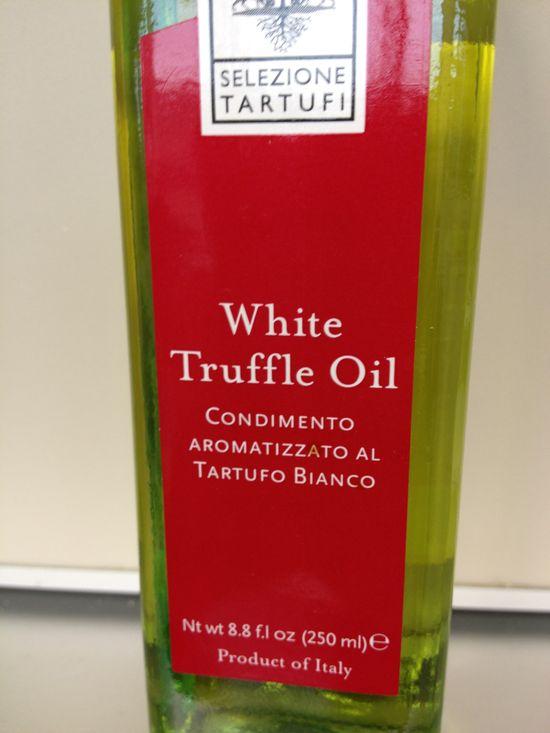 Otra de las botellas de aceite al aroma de trufa blanca de Appennino Food