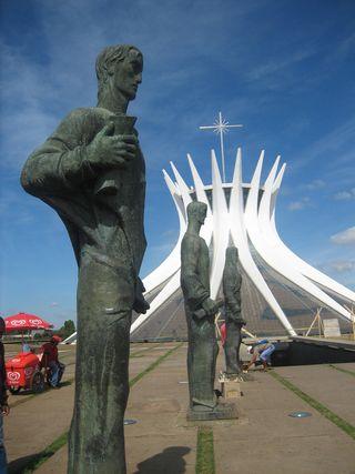 Brasilia-cat-est