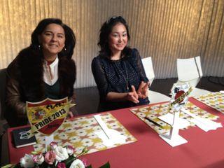 La periodista Julia Pérez y Miyuki Miura, miembros del jurado después de las votaciones