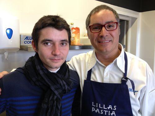 A la izquierda el joven Jerome Bondaz, nueva estrella del restaurante Can Fabes. A su lado Carmelo Bosque. Entre ambos y un equipo de cocineros aragoneses prepararon el un menú basado en la trufa de Huesca