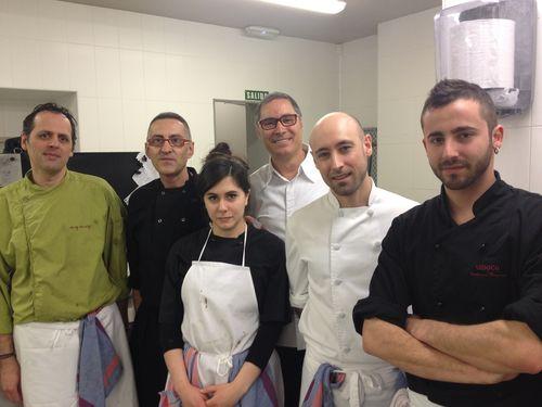 Carmelo Bosque y el equipo del restaurante Paraninfo, en la Universidad de Zaragoza
