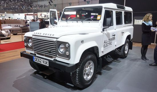 Land Rover Defender Electric / Newspress