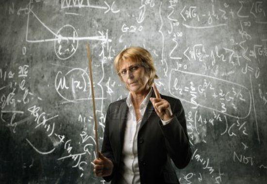 Profesora en la pizarra