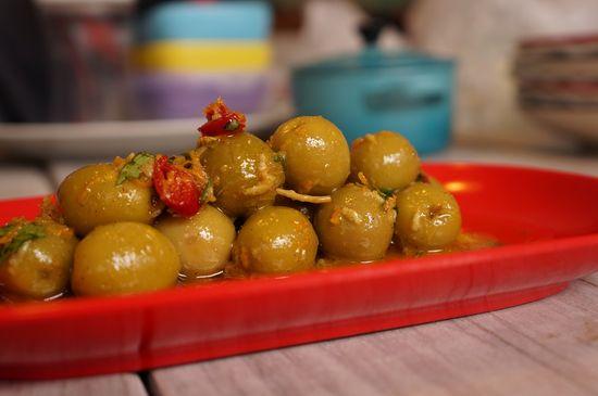 Aceitunas con naranja y cilantro