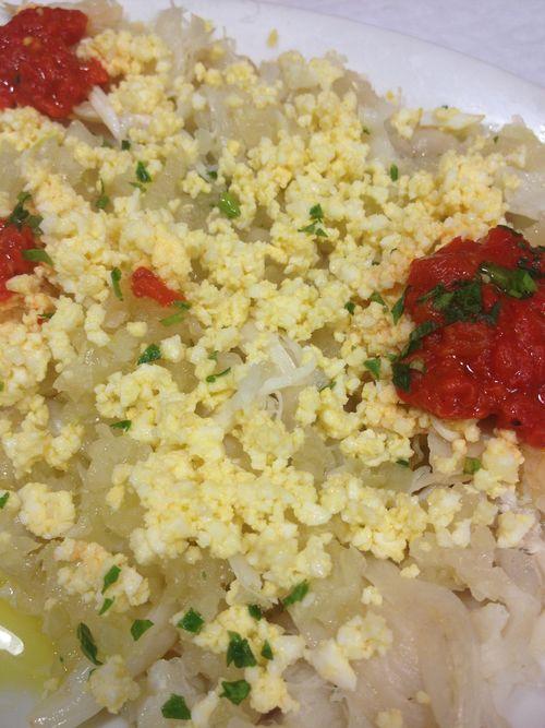 Salpicón que se prepara con las carrilleras del pixín. Suculento plato marginal