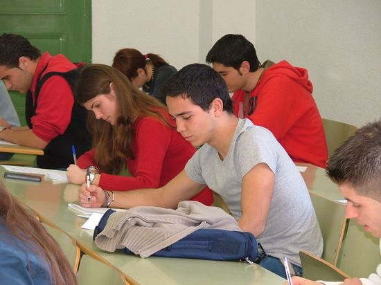 Estudiantes durante su trabajo