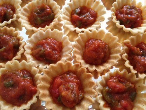 Tartaletas rellenas de ensalada cocha, un trasunto del mejor pisto manchego
