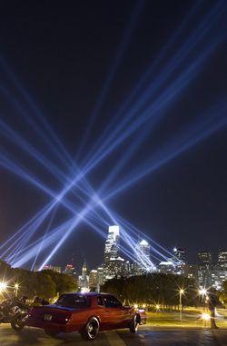 Open Air de Rafael Lozano-Hemmer en Filadelfia. FOTO © Antimodular