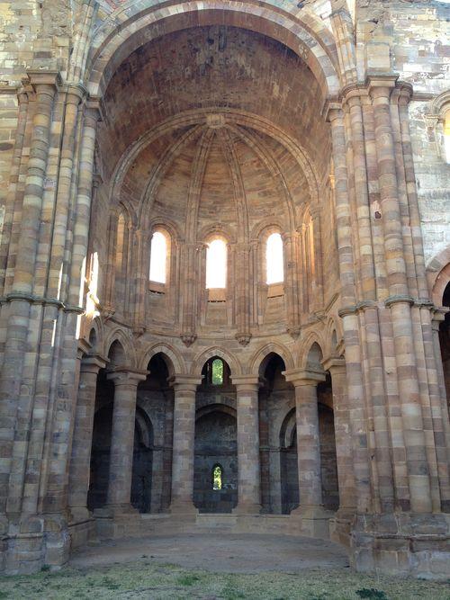 Monasterio´cisterciense de Santa María de Moreruela, siglo XII, Monumento Histórico Artístico, propiedad de la Junta de Castilla y León
