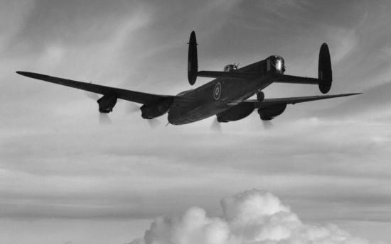 JACINTO bomber-command-lan_2261401k