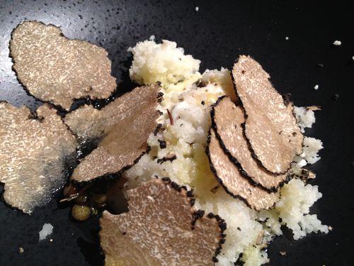 Coliflor, al puré de coliflor, trufa uncinatum y semillas