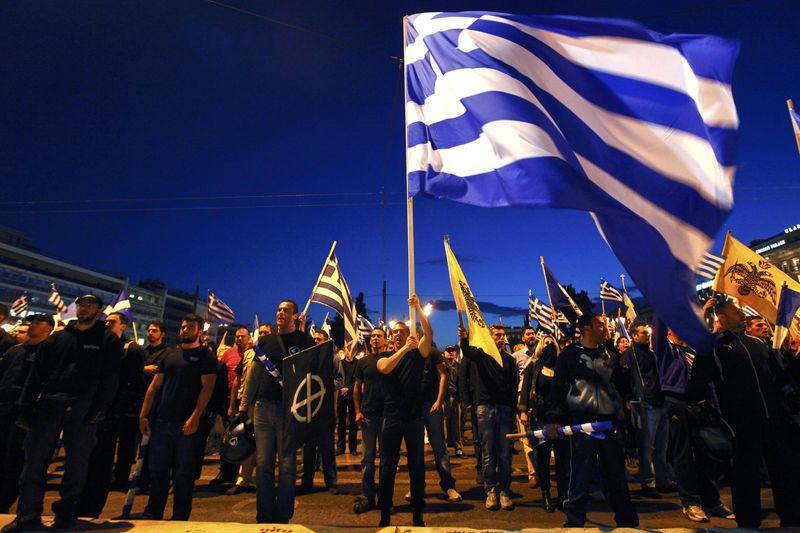 Con bandera griega