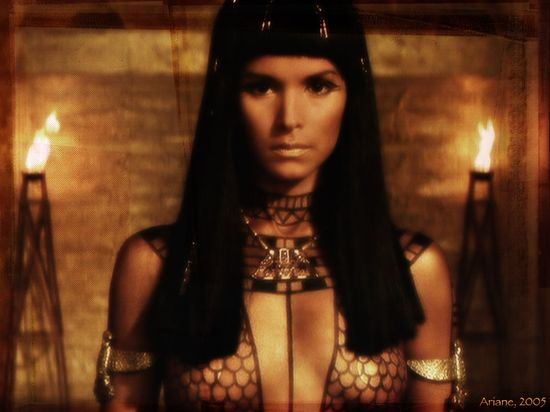 Wallpapers067-Ar_PatriciaVelasquez_TheMummy