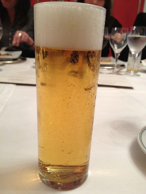 Cerveza en vaso de tubo, que impide disfrutar de las buenas cervezas
