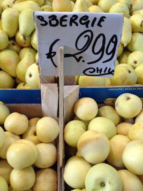 Sbergie, una fruta curiosa, propia de Sicilia, entre la manzana y el melocotón