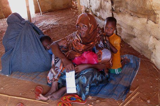 Refugiada  somali con 3 hijos en shelter 29 oct 2012