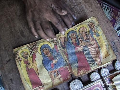 Manos pope lali
