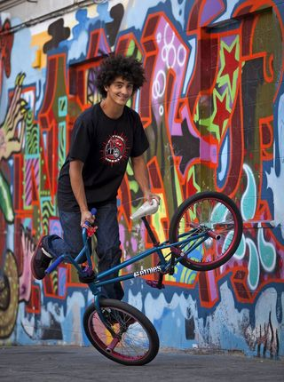 La bicicleta fomenta la identificación del colectivo.