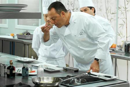El Chef francés Alexander Lagarde en las cocinas