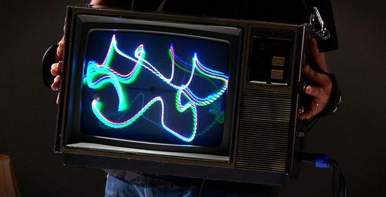 El televisor CRT deRastra de Kyle E. Evans. FOTO © Seth Connway