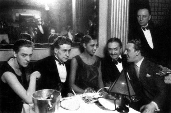 El restaurante Chez Josephine de París, famoso en el París de los años 20.