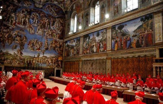 Cardenales en la Capilla Sixtina
