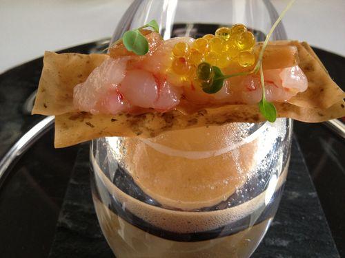 Primer premio: Gamba de Dénia tratada como un tartar, caviar de aceite de oliva, algas, matices picantes y emulsión de su jugo. Autor: Matías Fernández, restaurante Quinoa (Falset, Tarragona)