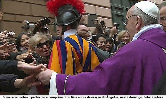 Papa Francesco entre la gente