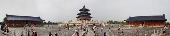 Temple_of_Heaven,_Beijing,_China_-_010_edit