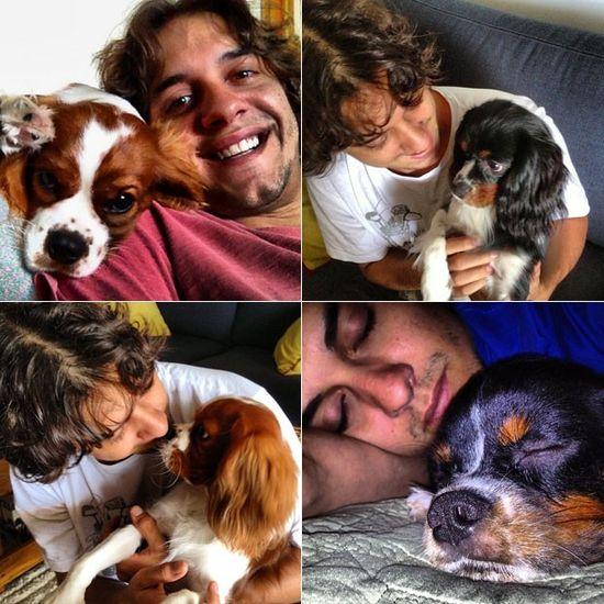 Familia con sus perros