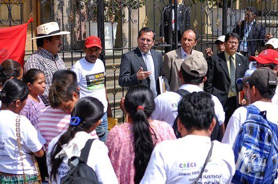 Entrega de las firmas al gobierno de Guatemala