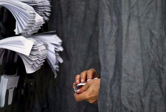 Voto Jorge Zapata EFE
