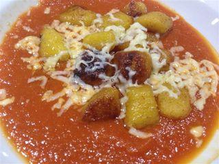 Ñoquis con papas andinas, salsa de tomate y queso fresco colombiano, uno de los platos de la cena