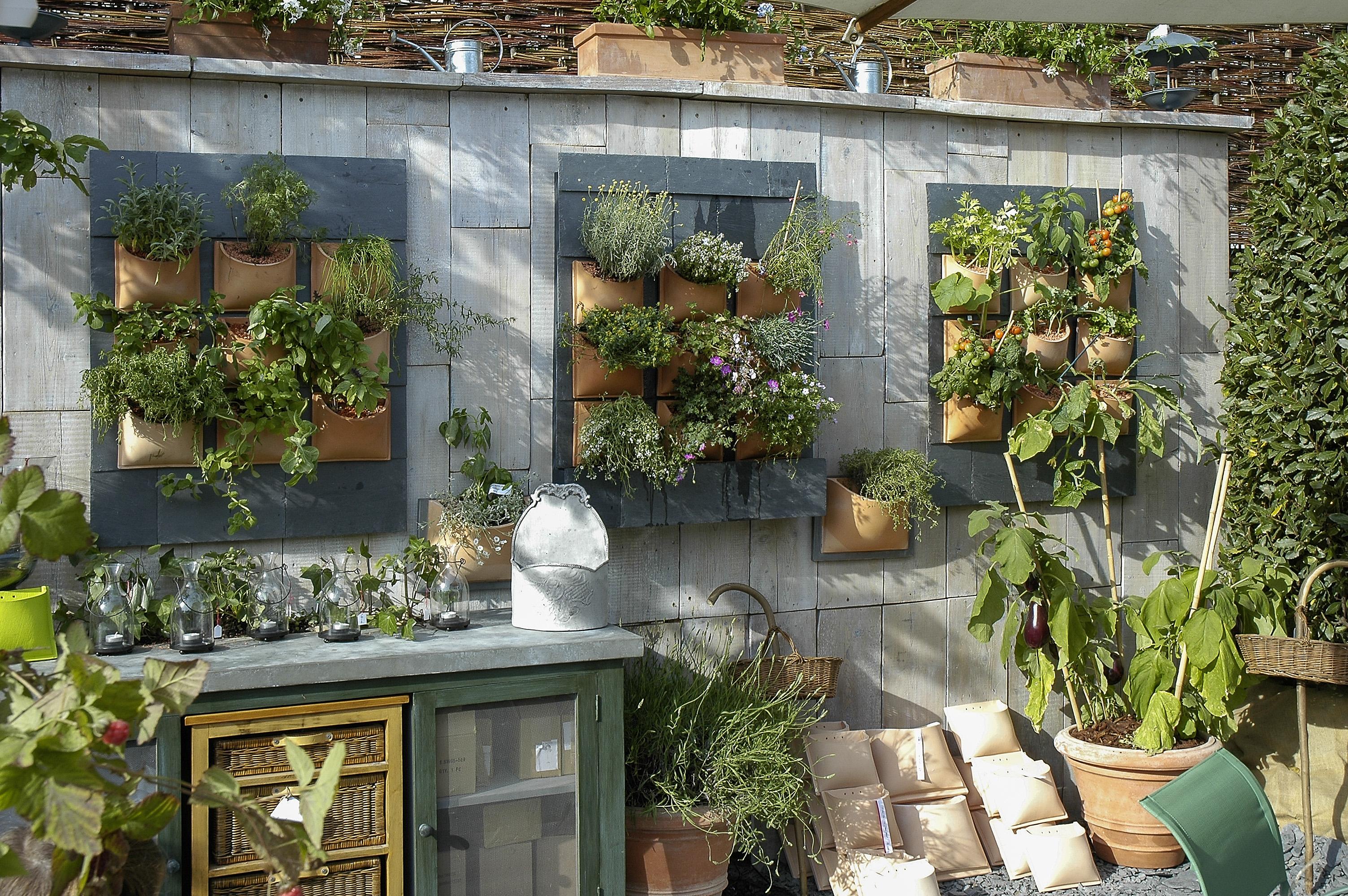 Se lleva el huerto de flor en flor blogs el pa s for Antorchas para jardin caseras