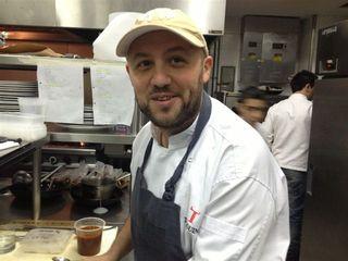 Dante Liporace en las cocinas de Tarquino.