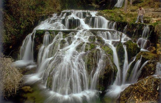 Cascadas del ebro en orbaneja del Castillo Andrés Campos