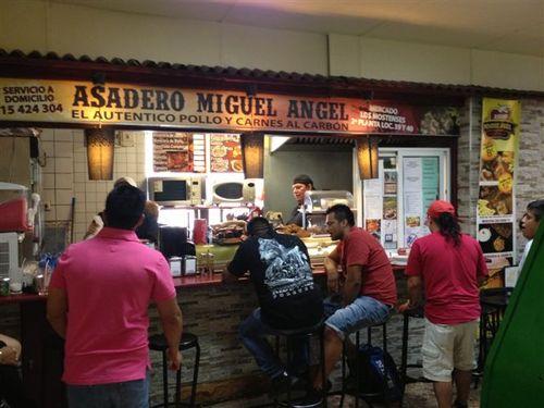 El restaurante ecuatoriano del Mercado de los Mostenses, Asadero Miguel Ángel