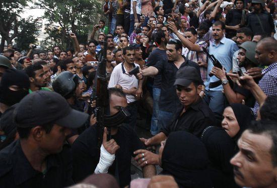 REU_2013-2D08-2D17T183048Z_737365668_GM1E98I05ZX01_RTRMADP_3_EGYPT-2DPROTESTS