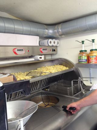 Típica forma de freír las patatas en dos tiempos