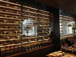 Comedor de desayunos del hotel Me London, donde, en horas diferentes, se aloja el restaurante italiano Cellina