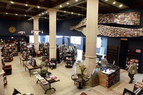 Libreria-thelast-bookstore