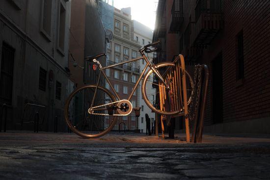 Bicicleta solitaria. Anthony Perez