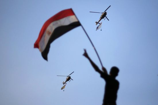 A2013-2D07-2D01T170539Z_307210320_GM1E97202WE01_RTRMADP_3_EGYPT-2DPROTESTS-2DHELICOPTERS