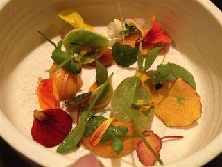 Ensalada de flores en Atera, NY