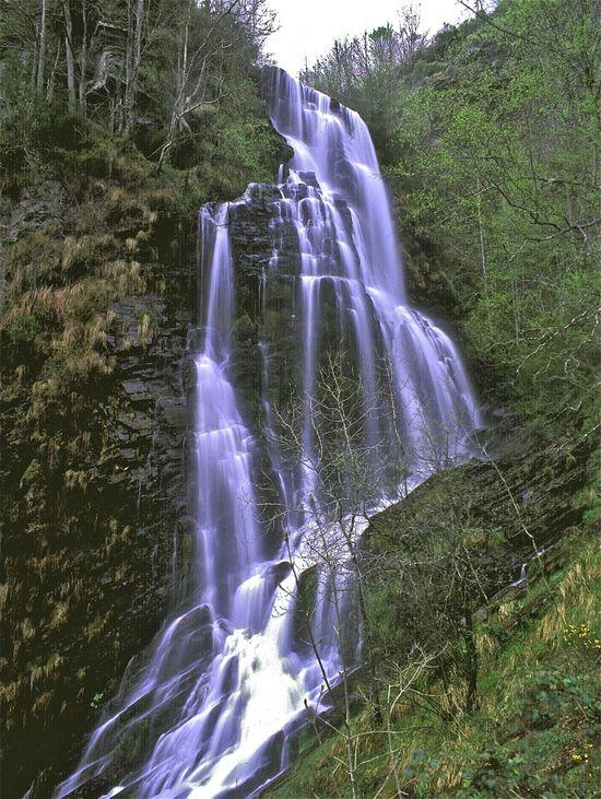 Cascada de Seimeira en el río Murias en la comarca de Os Oscos (Asturias) Pedro Retamar.