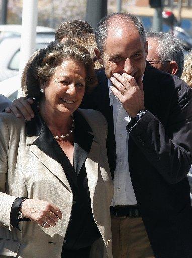 Rita-Barbera-junto-Camps-celebracion-tercera-legislatura