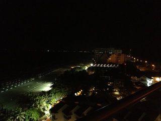 Panorámica nocturna de Cartagena desde la terraza de erre