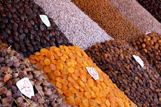 Moroccan_Dried_Fruit_and_Nuts_(4257384208)