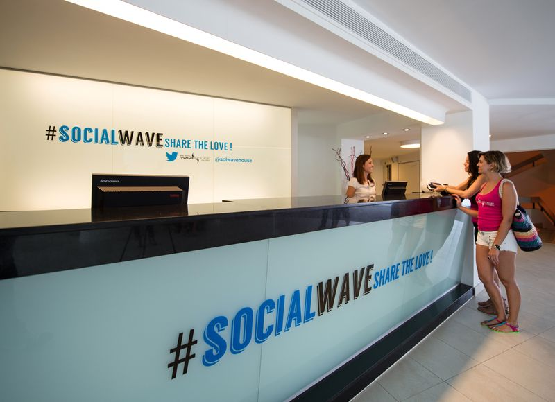 Social Wave Reception